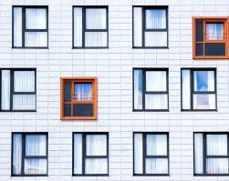 A chaque fenêtre son style dans les logements de Guingamp